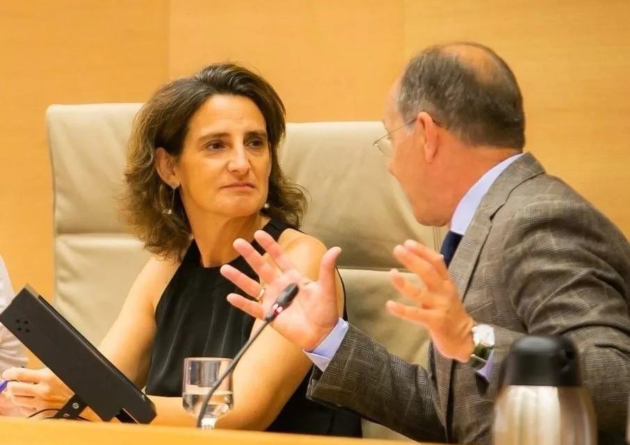 ¿Quién paga los cambios precipitados en el sector energético de la ministra Ribera?