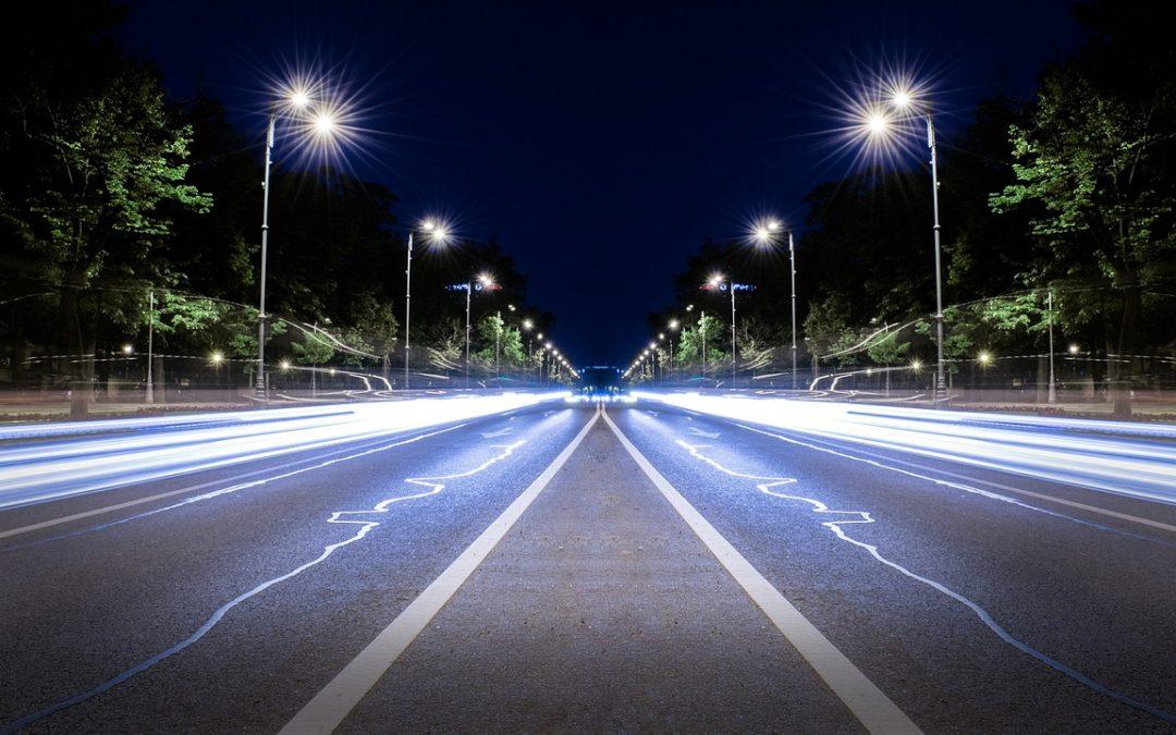 Nuevo asfalto para recargar tu coche eléctrico mientras circula.