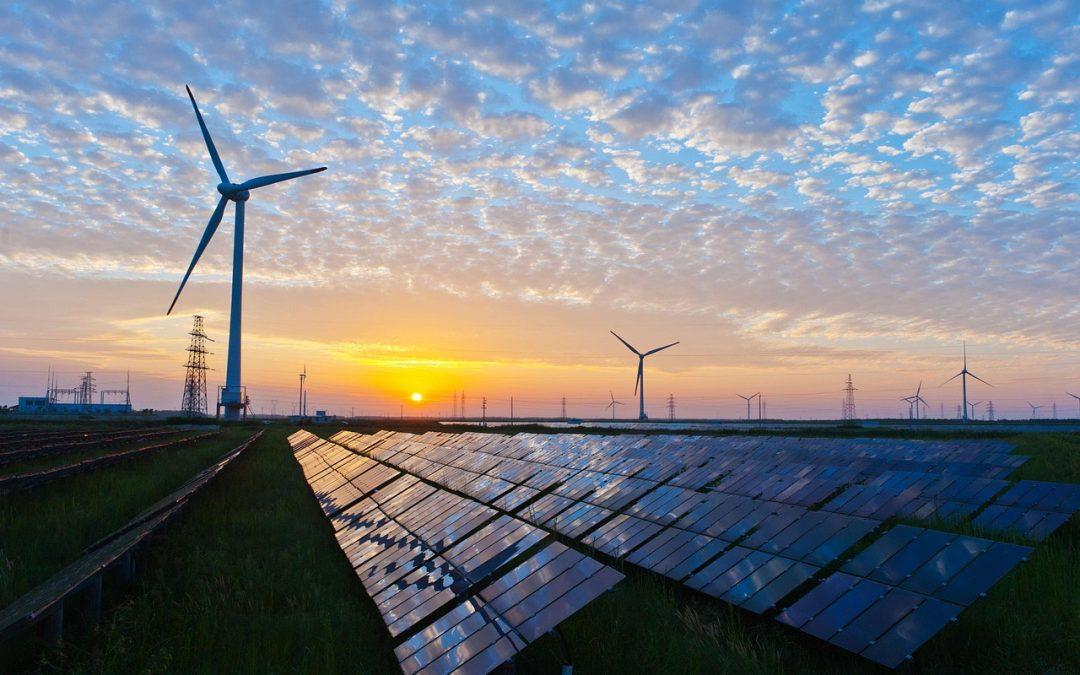El consejero de Hacienda, Industria y Energía, Juan Bravo, se reúne con responsables de Red Eléctrica de España.